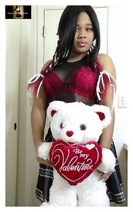 Valentine Porn – Busty Ebony Big Booty Avalon Night Twerks Upskirt With No Panties