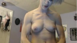 Muscular Cam Girl Showing Off